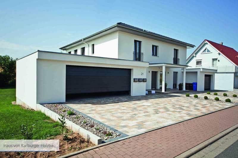 Haus von Karlburger Holzbau blau