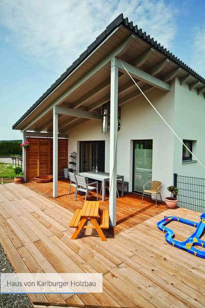 Haus von Karlburger Holzbau weiss modern
