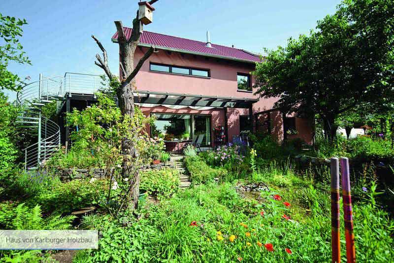 Haus von Karlburger Holzbau Holz und weiss