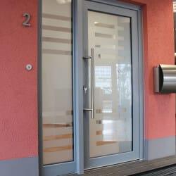 Ausstellung - Haustür grau mit Glastür