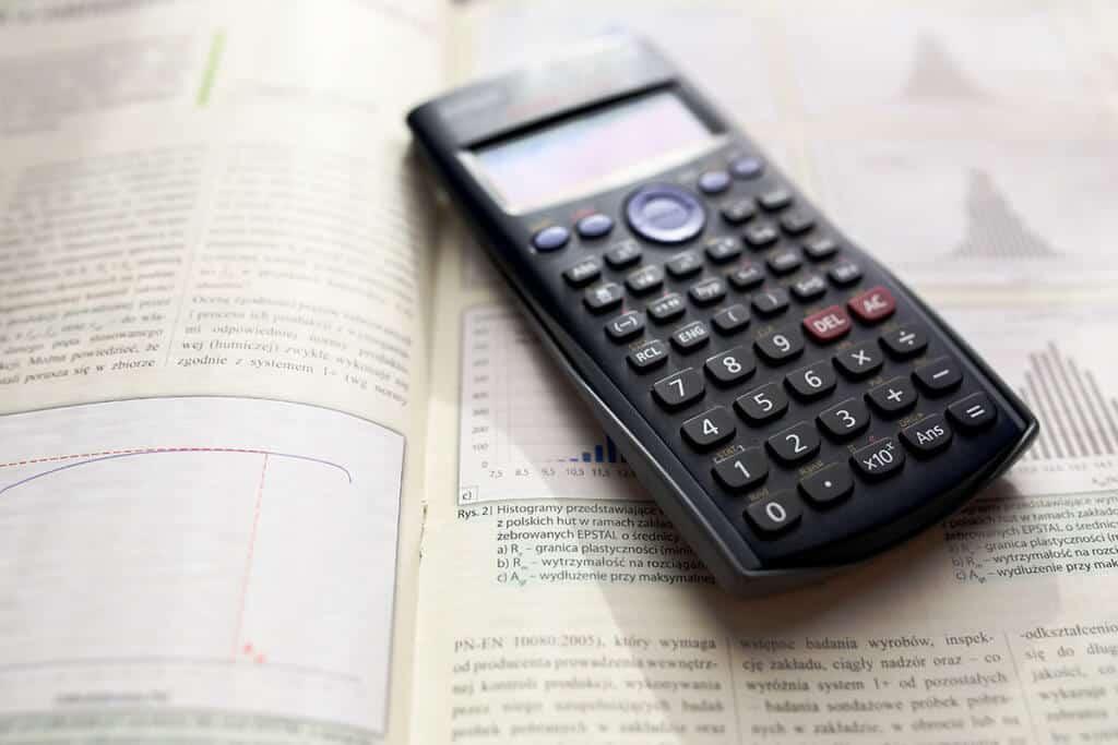 calculator scientific 1024x683 - Azubi Projekte